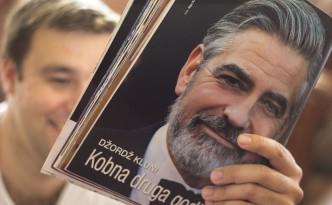 Zeitschrift mit George Clooney auf Montenegrinisch