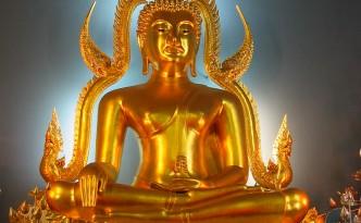 Buddha in einem Tempel in Bangkok
